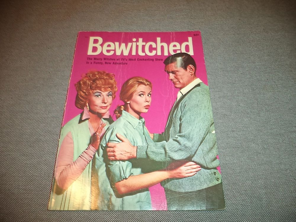 Vintage 1965 Bewitched Hard Cover Magazine Book Screen Gems Wonder Books