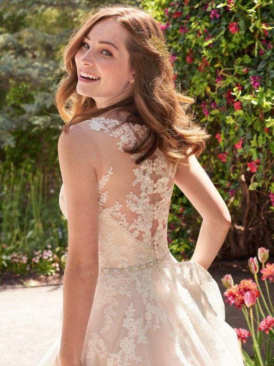 wedding dresses under $1000 - http://ruffledblog.com/wedding-gowns-for-under-1000/