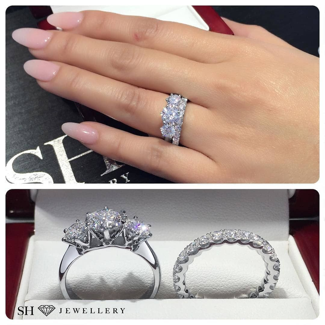Similar To Meghan Markles Royal Trilogy Diamond Ring That Made By
