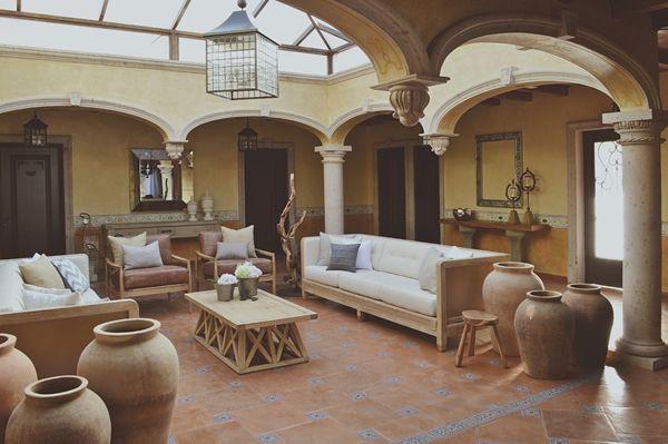 Sala mexicana contempor nea casa haus mexican design for Decoracion estilo mexicano moderno