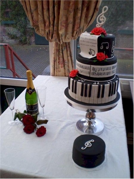 Pin By Barbwire And Diamonds On Events In 2018 Cake