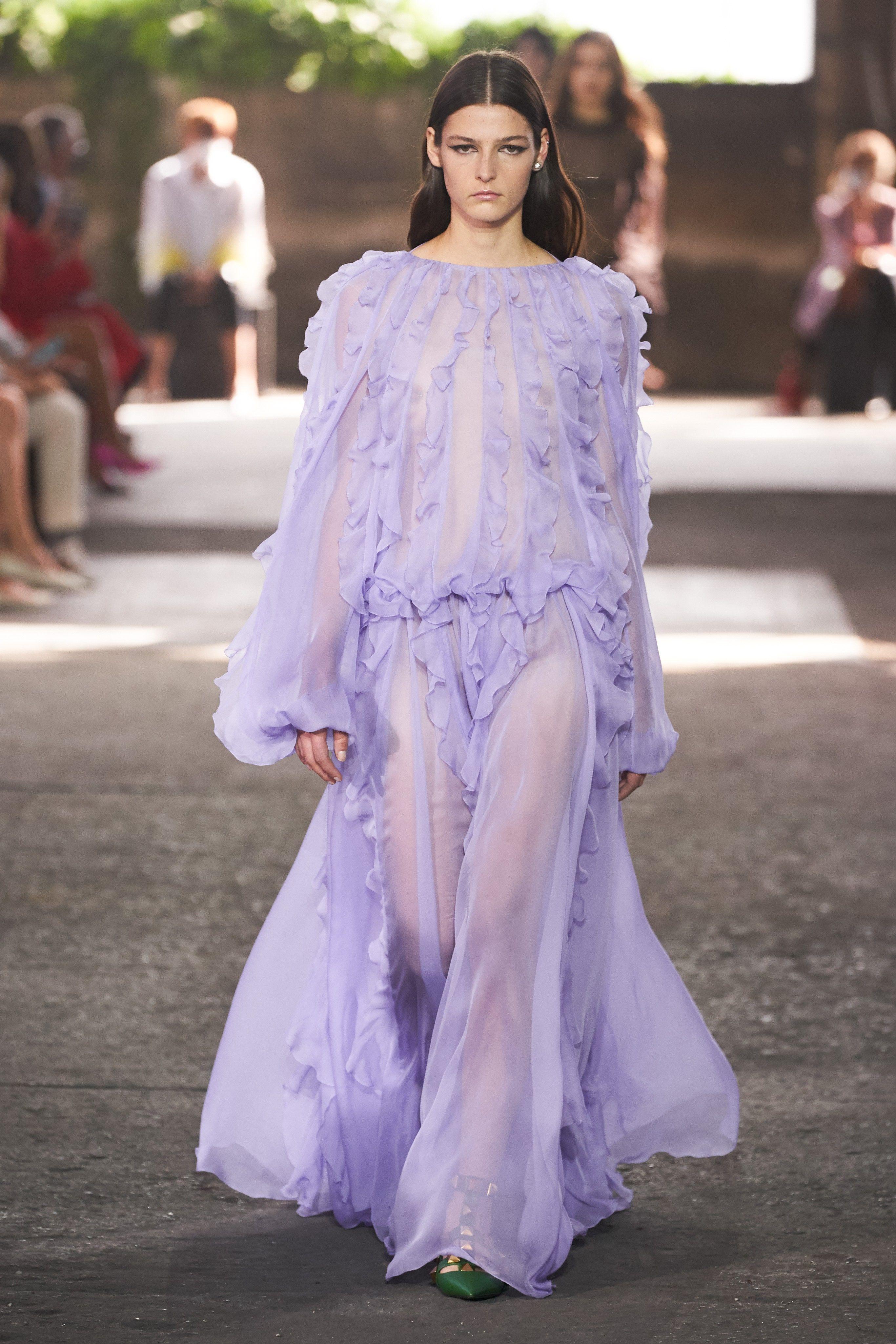 Milan Spring Summer 2021 Fashion Week In 2020 Fashion Show Fashion 21st Dresses