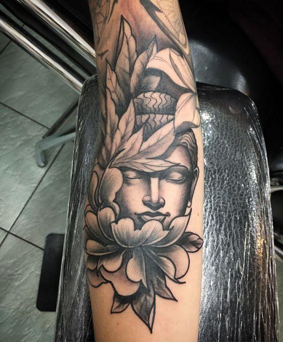 Pin By Tina Oteri On Tattoo Ideas Tatouage Tatouage Bouddha