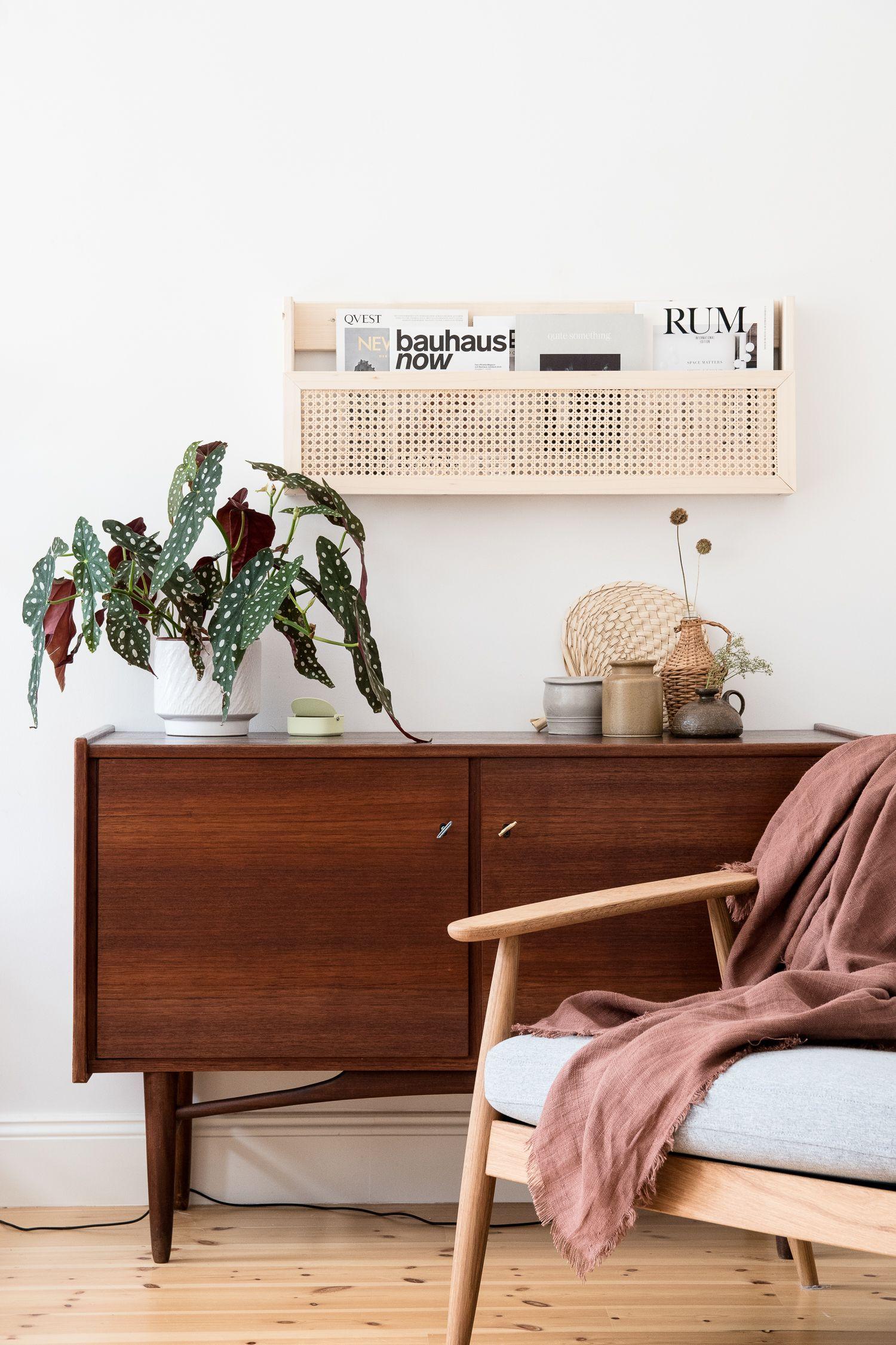 DIY Magazinhalter aus Holz mit Wiener Geflecht #interiordesign