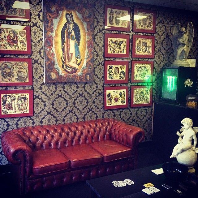 On pinterest tattoos shops tattoo studio and tattoo studio interior shop decor pinterest - Tattoo studio decor ...