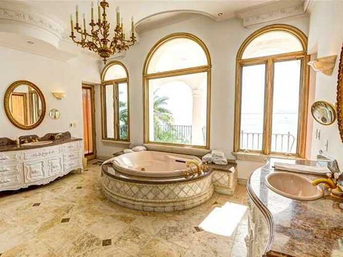 Really Palatial Bathroom. Too Much Gold Though.
