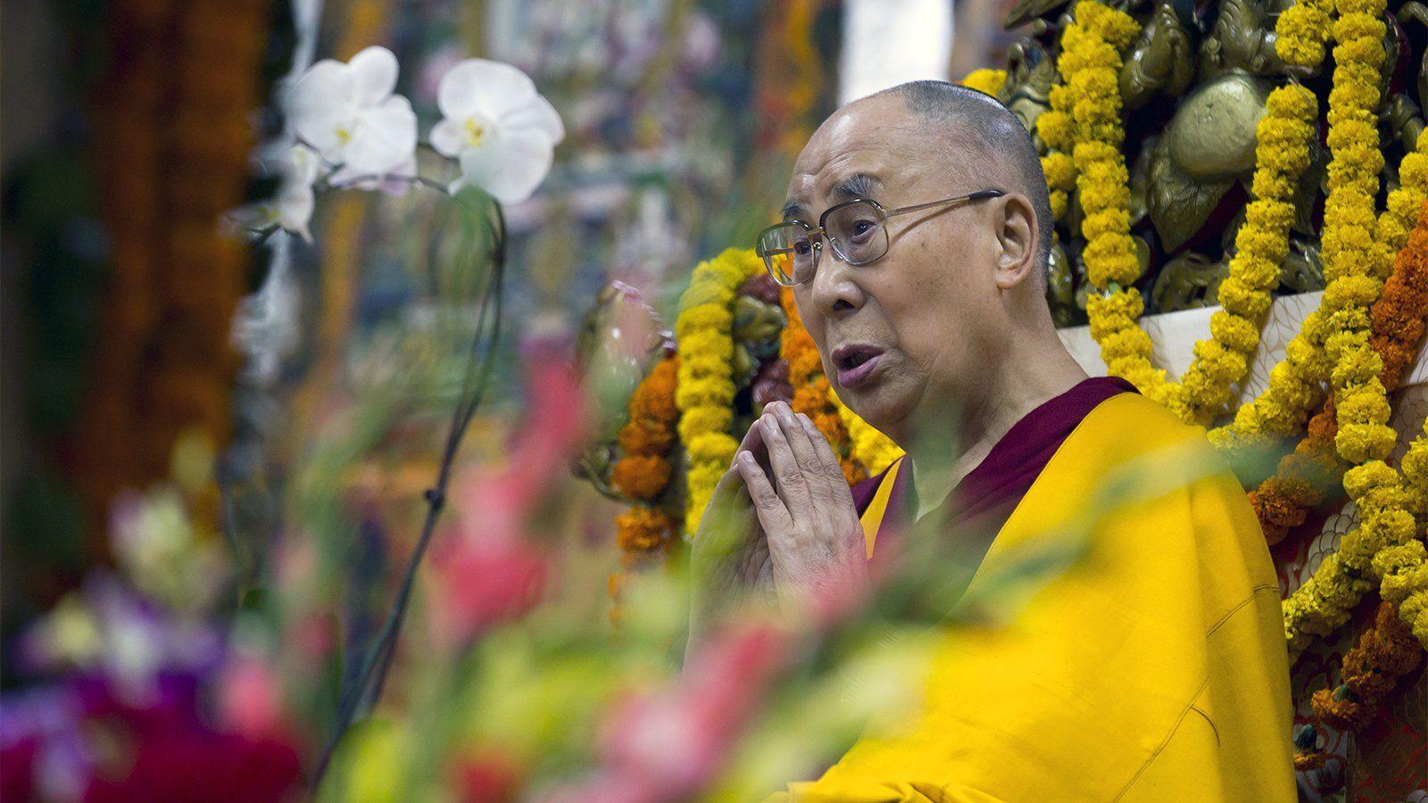 Buddhist monks to consider whether Dalai Lama should