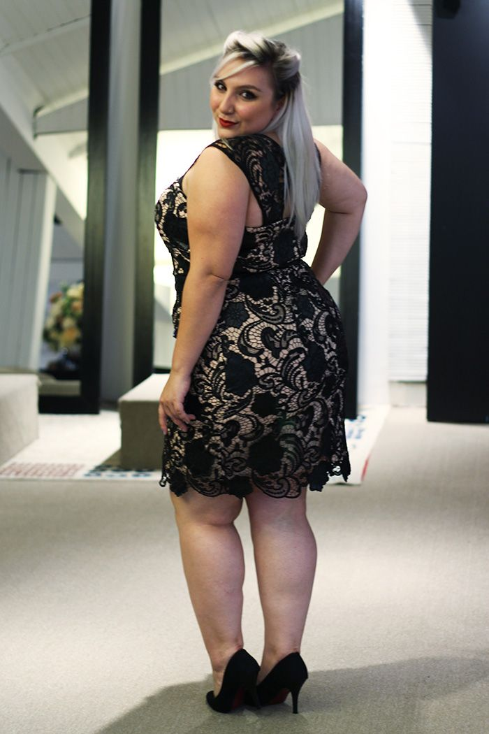 a03af3e64078 vestido de festa plus size curto #PlusCurvy #CurvyConscious PlusCurvy.com