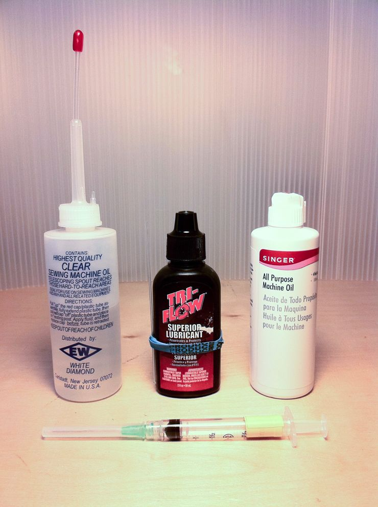 The Vintage Singer Sewing Machine Blog How To Oil Your Sewing Extraordinary Sewing Machine Oil