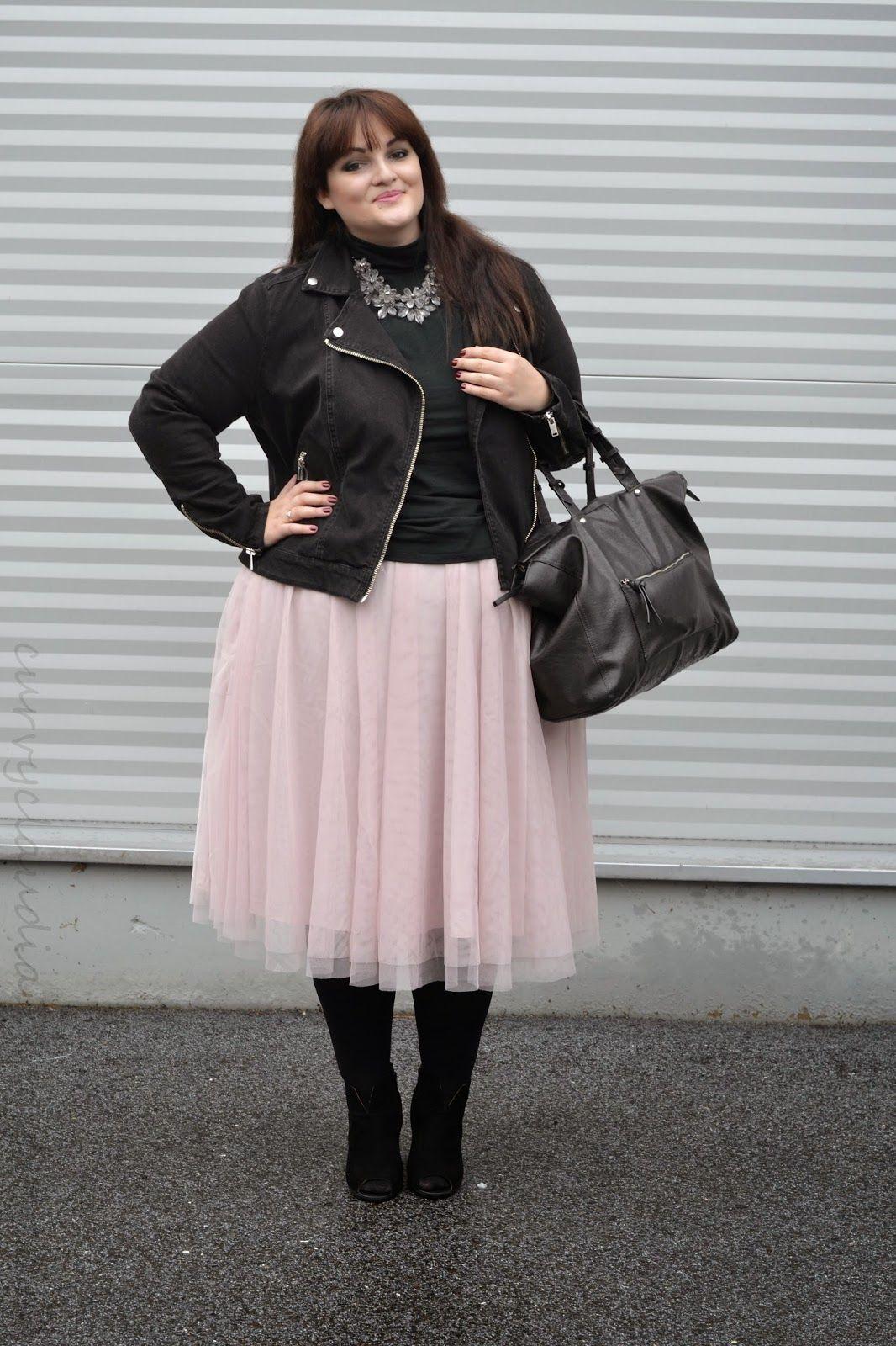 Plus Size Fashion - Curvy Claudia: One skirt, three ways ...
