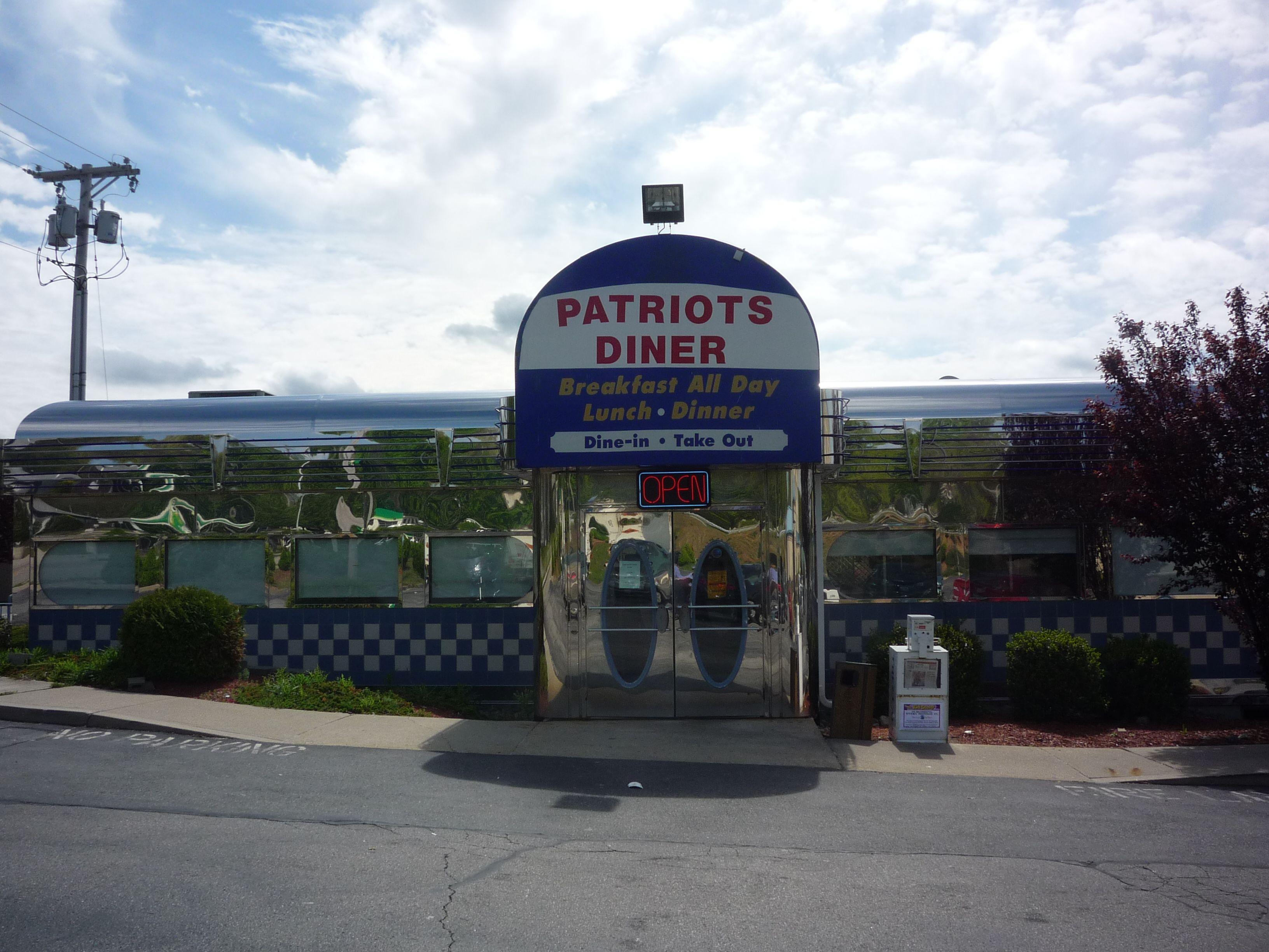 Patriots Diner Woonsocket R I Http Visitingnewengland Blog