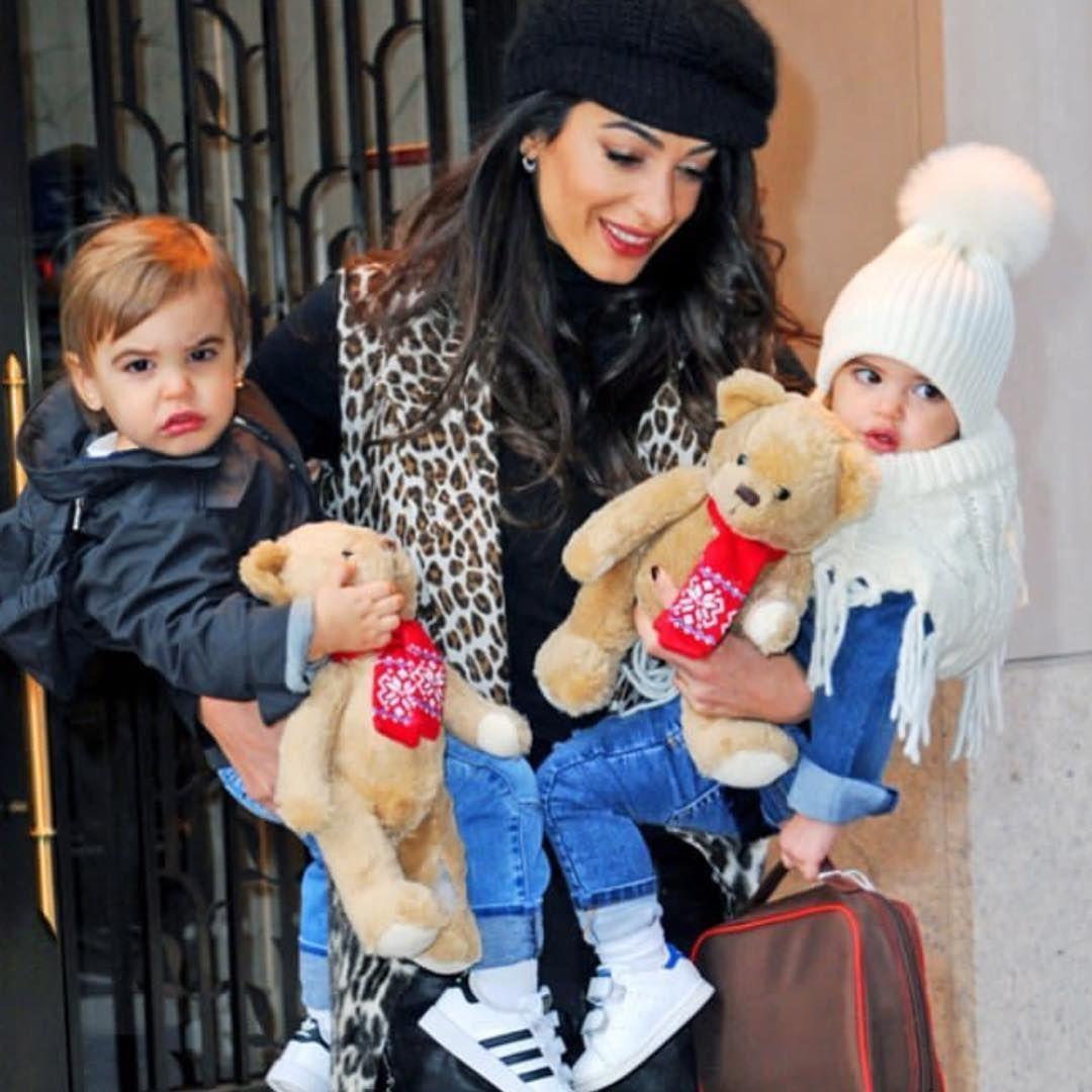 Hello Ella and Alexander 😍❤️ #georgeclooney #amalclooney #children #beautiful #sweet #cute | George clooney children, Amal clooney, Amal alamuddin style