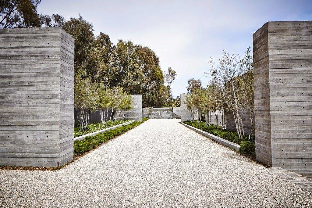 Modern Entrance Image Via Cococozy Malibu Mansion Malibu Homes Modern Driveway