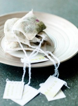 Foodstyling by Hanneke Boers. This tea bags looking amazing on this picture. The colors and materials are beautiful.