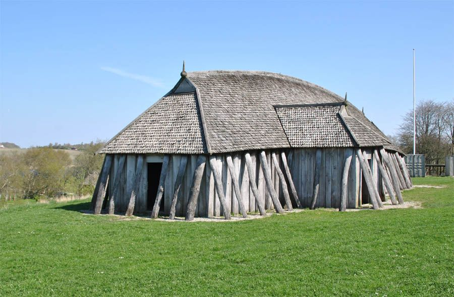 The largest replica of a Viking houses at the Fyrkat Viking Centre ...