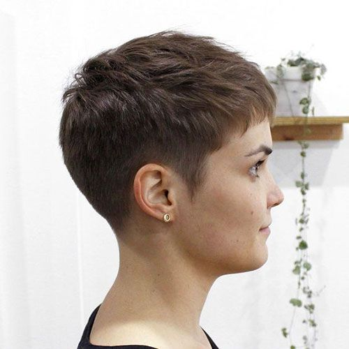 Very Short Haircuts for Women with Chic Look #shortpixie