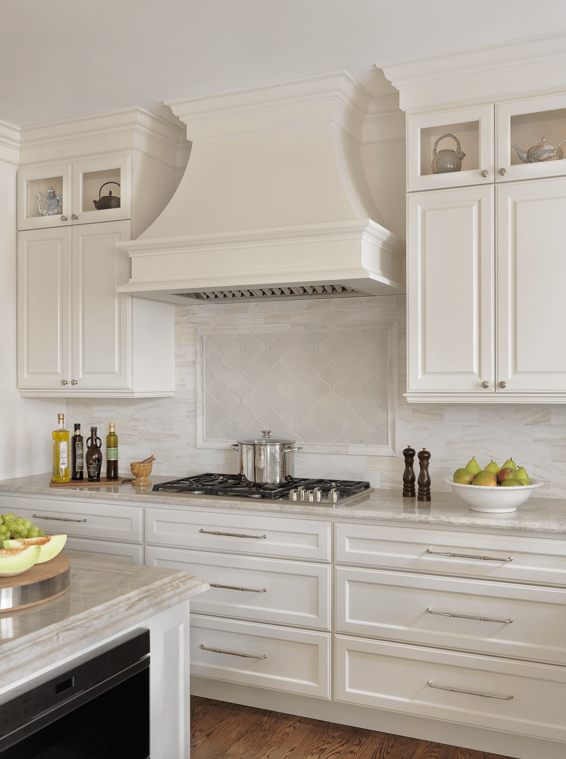 Traditional White Kitchen With Custom Range Hood Beck Allen Cabinetry Victoria Falls Granite White Kitchen Traditional White Kitchen Hood Kitchen Hood Design