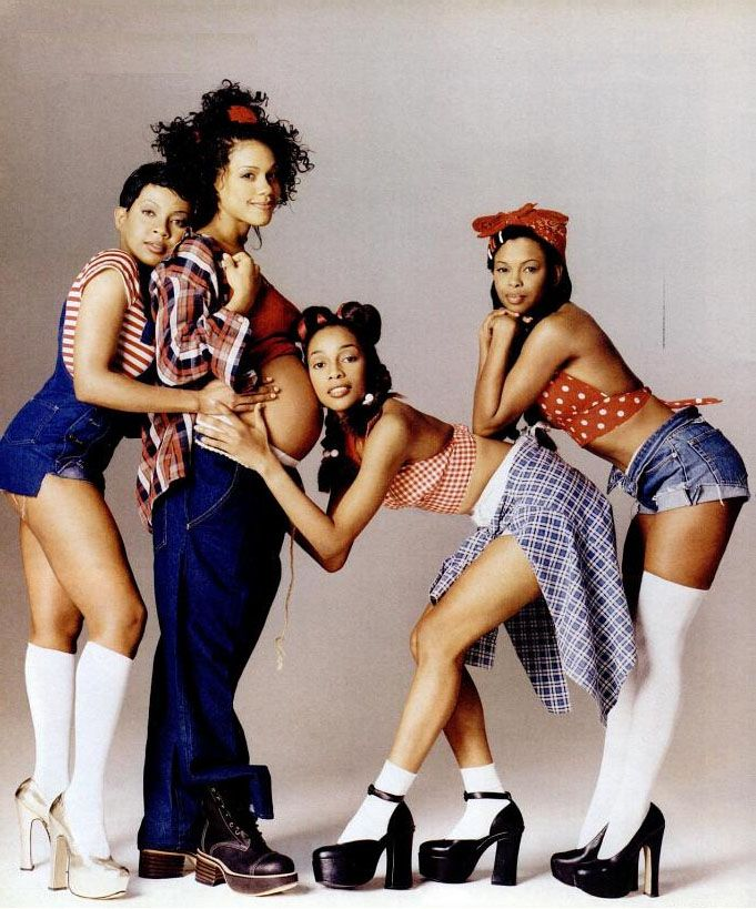 Women and girls fashion in the 1990s is very distinct