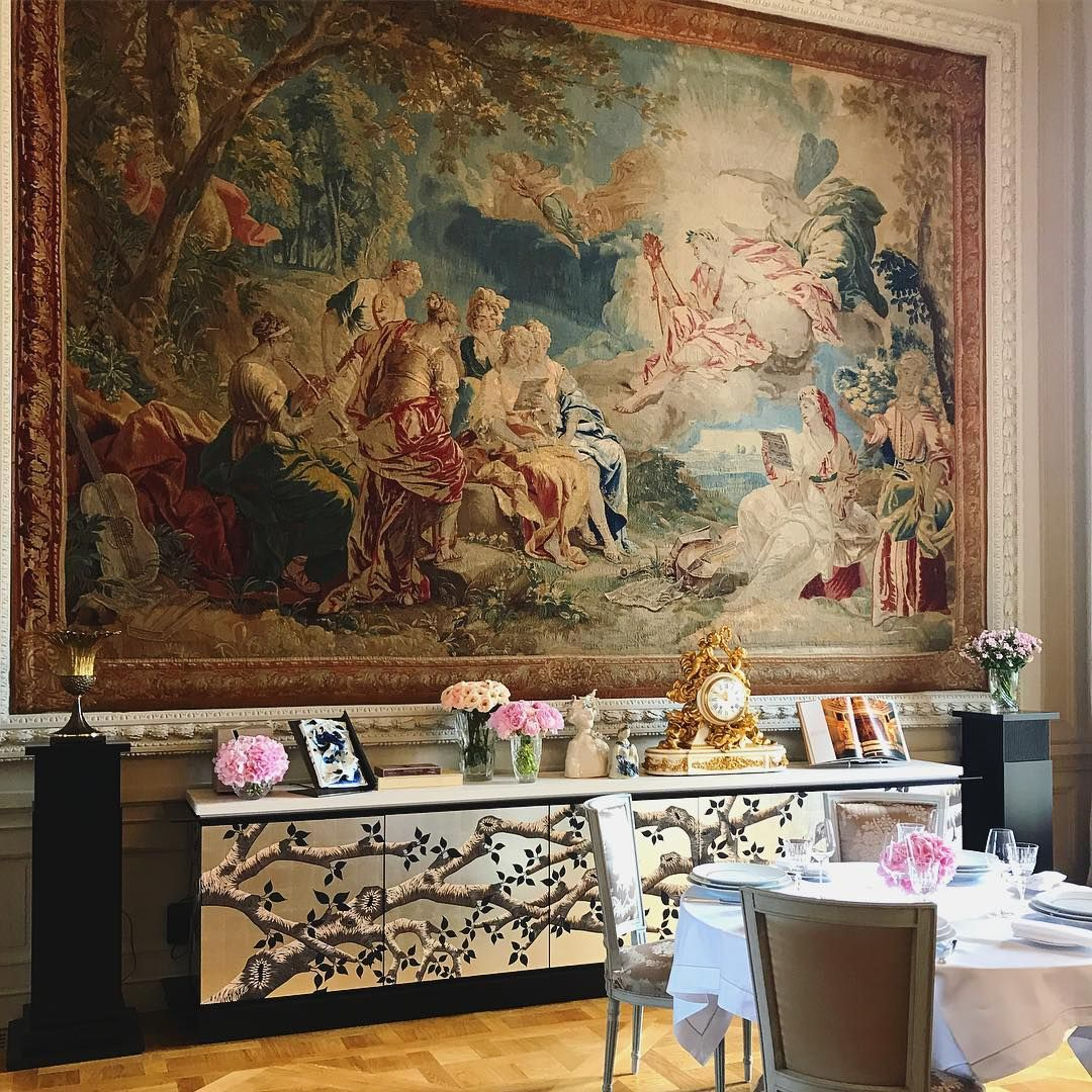 Heaven on Earth. We spent the day in the newly re-opened @rwcrillon and its vast, breathtaking Marie Antoinette suite overlooking Place de la Concorde during Haute Couture week in #Paris