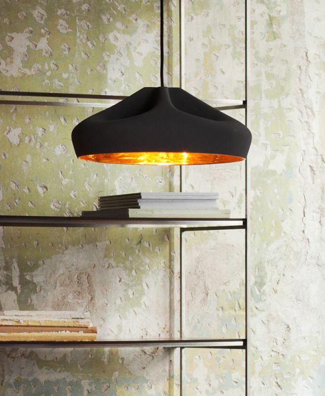 Marset Pleat Box 36 Die LED Pendelleuchte aus schwarz lackierter - wohnzimmer gold schwarz