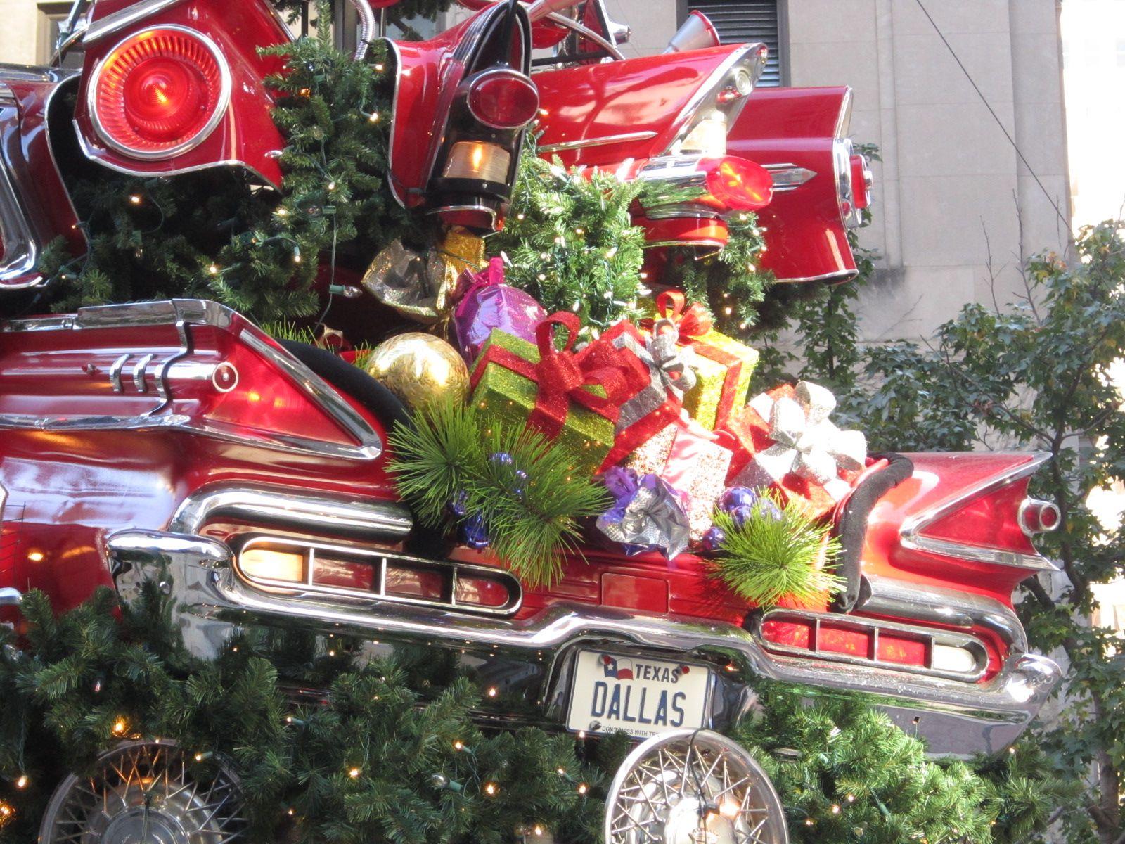 Neiman Marcus Car Tree Dallas Pegasus Plaza | Holiday: Christmas ...