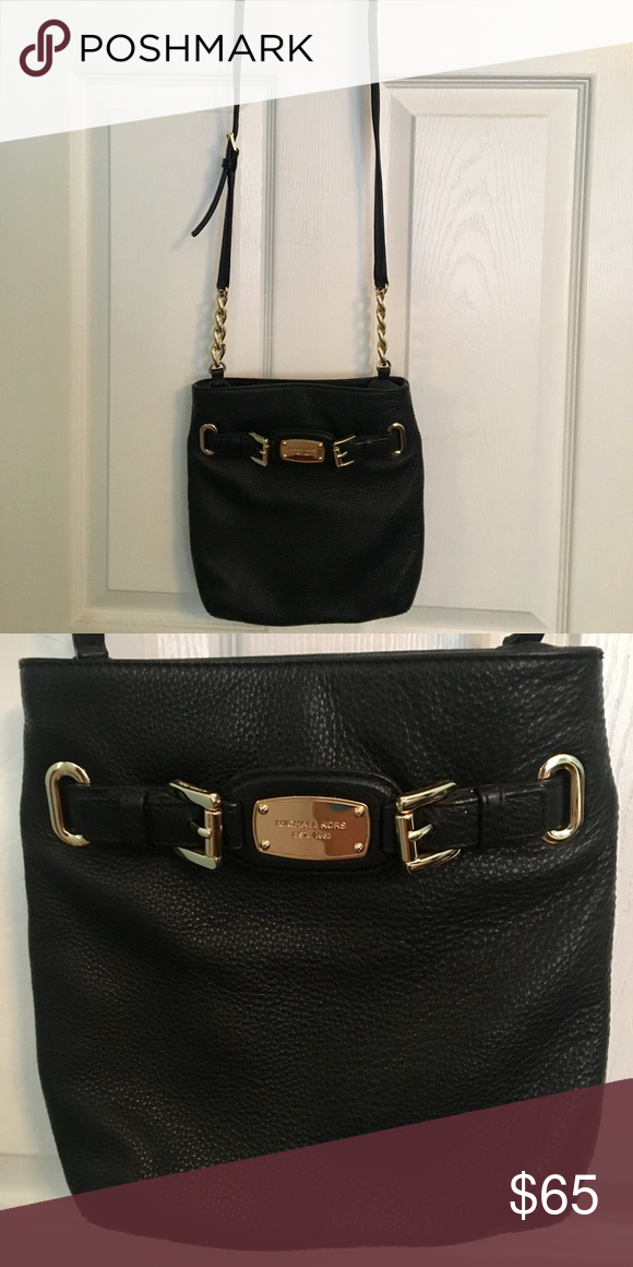 Michael Kors Crossbody Purse Black Leather With Gold Detailing Very Lightly Used