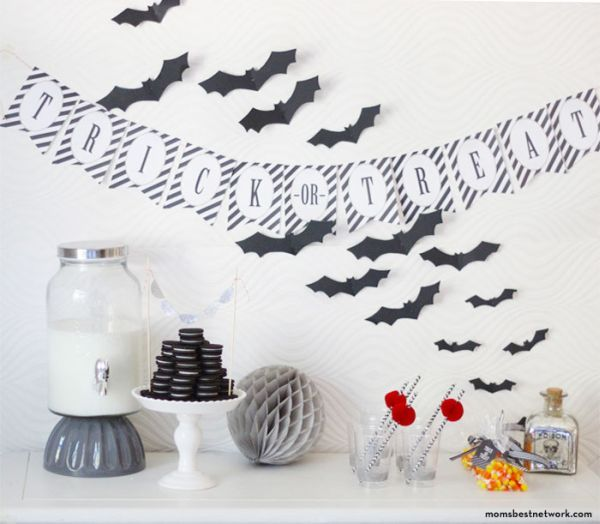 decorations for halloween black and white - Pesquisa Google