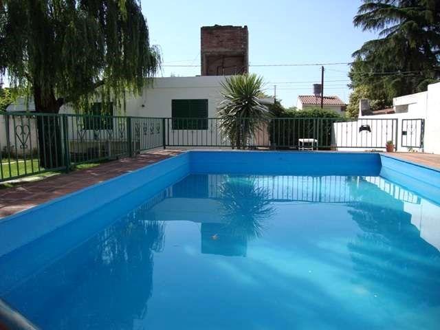LINDA CASA EN CARLOS PAZ, BARRIO SANTA RITA, CON PILETA Y QUINCHO. temp 2014 LINDA CASA EN CARLOS PAZ, BARRIO SANTA RITA, CON PILETA Y QUINCHO. temp 2014$ 840.- finales ... http://villa-carlos-paz.evisos.com.ar/linda-casa-en-carlos-paz-barrio-santa-rita-id-867505
