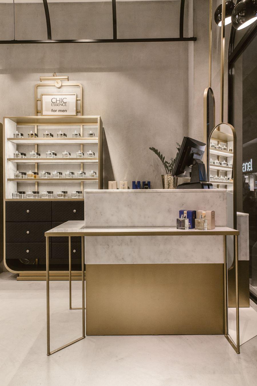 Chic Essence Perfurme Shop Picture Gallery Design Negozio Interni Di Negozio Architettura Di Interni