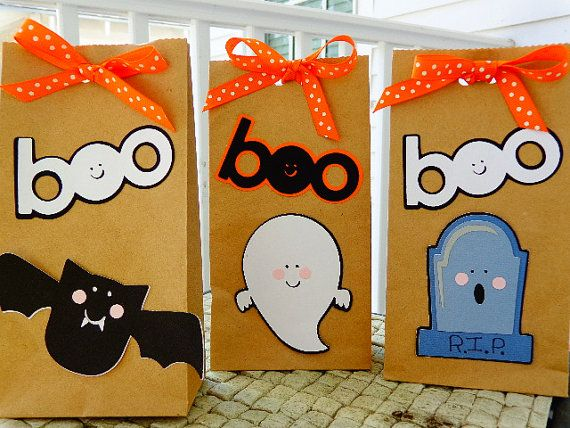 halloween treat bags for the class - Halloween Treat Holders