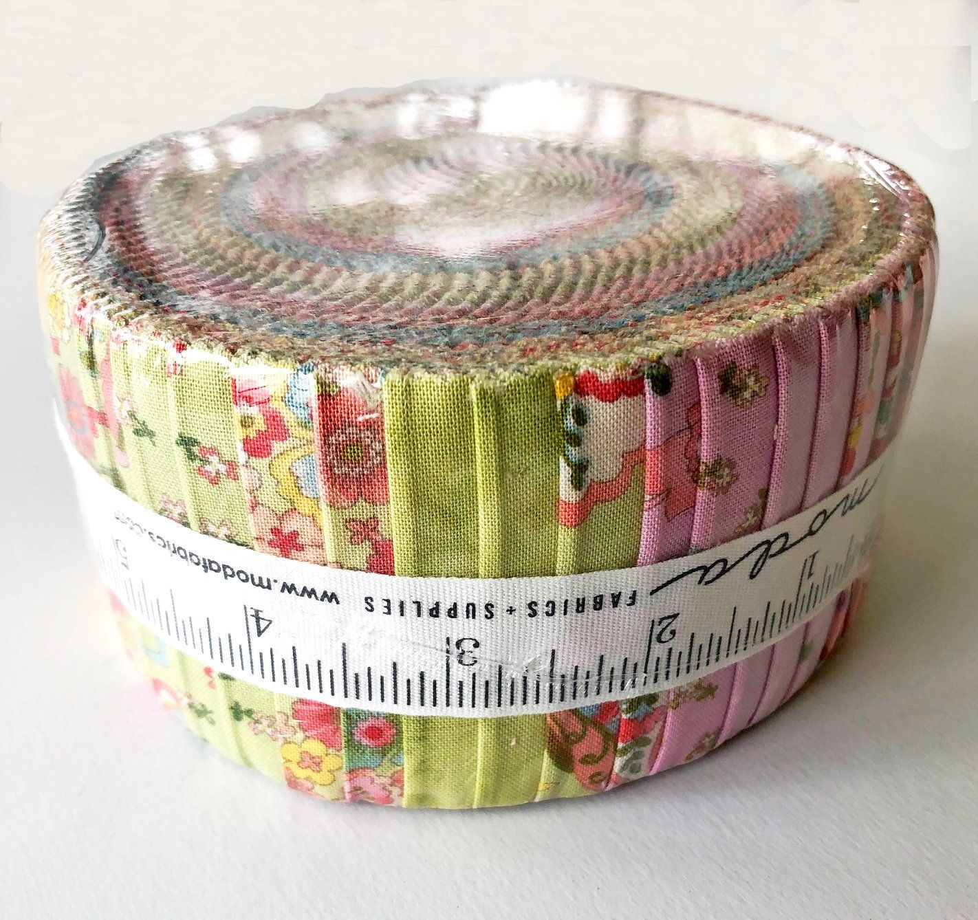 "Jelly Roll Cream /& Black Floral Swirls Dots Cotton Fabric 20 Strips 2.5/""X44/"""