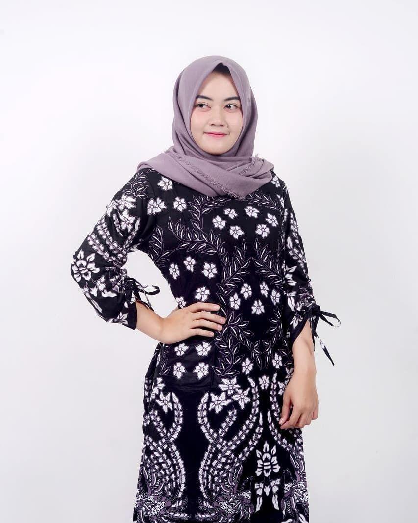 30 Contoh Desain Baju Batik Wanita Modern di 2020 | Wanita ...