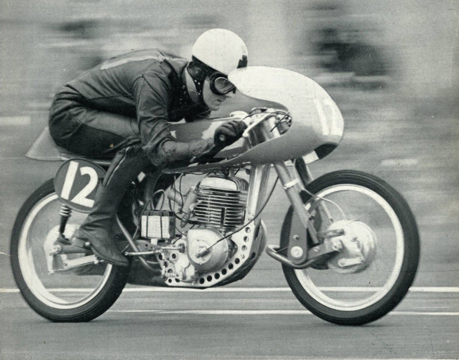 17 best images about motorcycles grand prix racing joe dunphy on his greeves silverstone at the 1963 meeting at mallory park motorcycles diariesracing