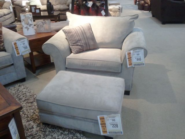 finest selection c4046 39b34 Big comfy chair and ottoman Furniture row | Project Bedroom ...