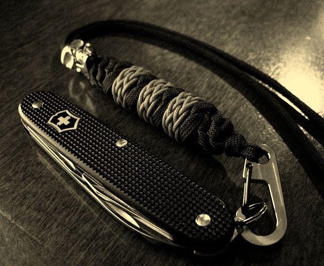 Sak swiss army knife paracord wrist lanyard paracord for Knife lanyard ideas