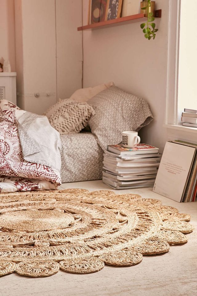 Pin By Fl Lucky On My Dream Bedroom Jute Round Rug Round Rugs Bedroom Decor