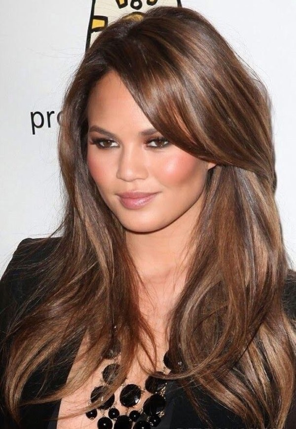 50 Beautiful Hairstyles That Enhance Your Round Face Hair Colour For Green Eyes Honey Brown Hair Long Hair Color
