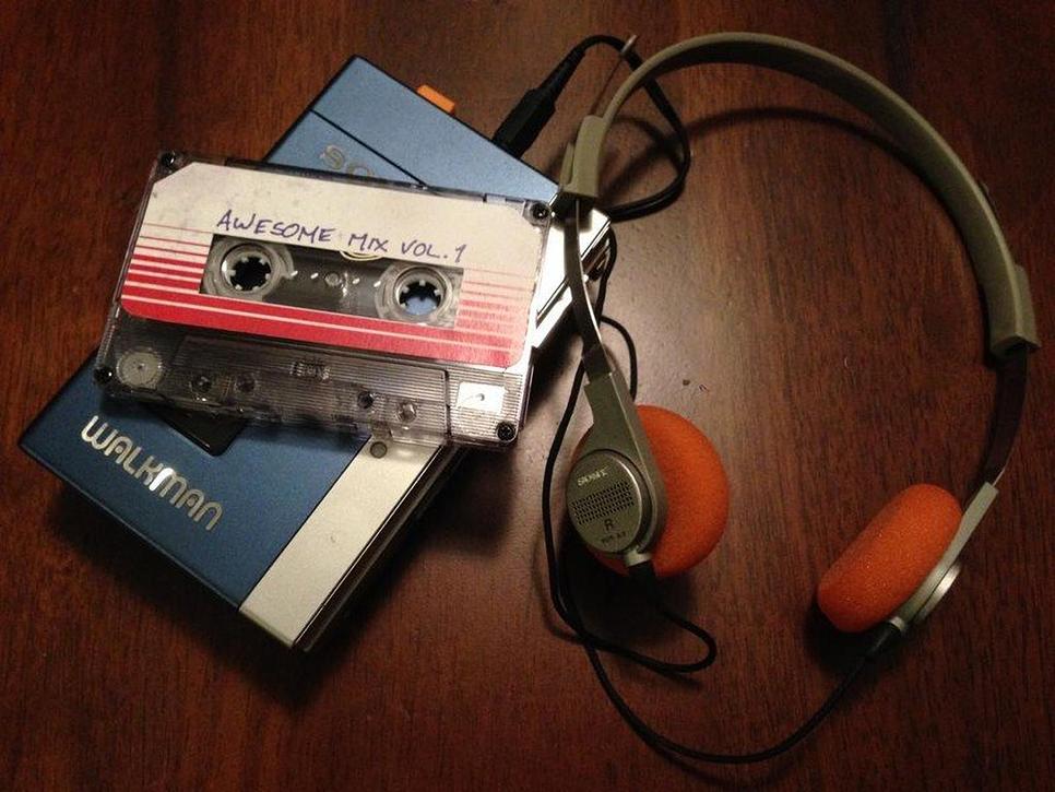 소니 워크맨 탄생 40주년, 1979년 7월 1일 세계테이프 레코더 & 플레이어가 출시되다 네이버