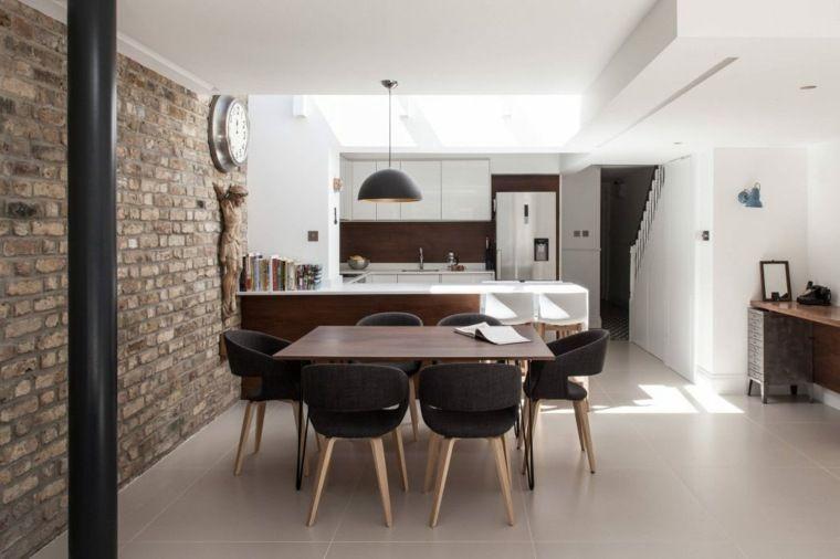 Moderne eetkamer met innovatief design in voorbeelden