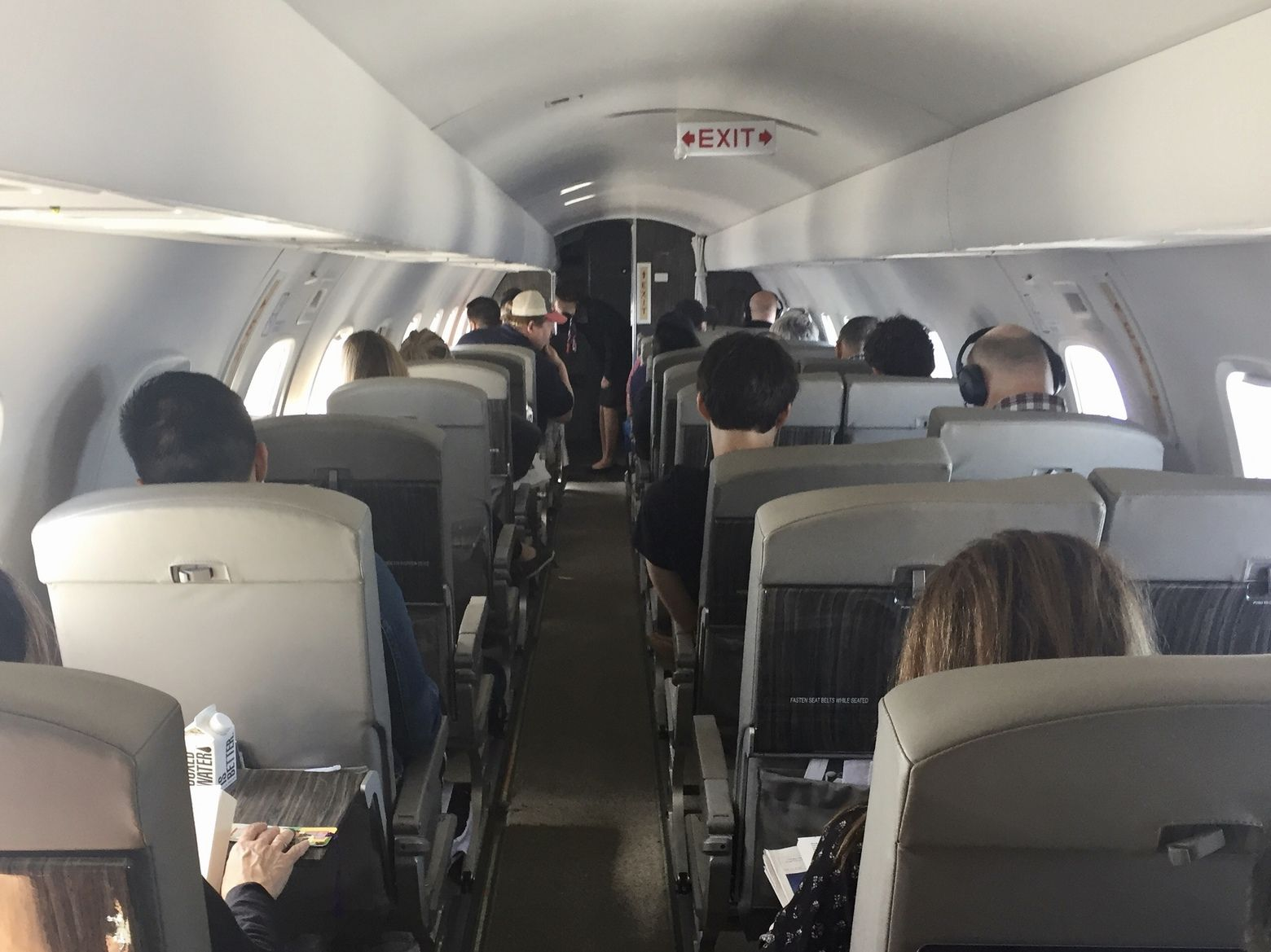 what it s like to fly from seattle to oakland in a semiprivate jet and how you can too on jetsuitex the seattle times south seattle seattle times plane seats pinterest