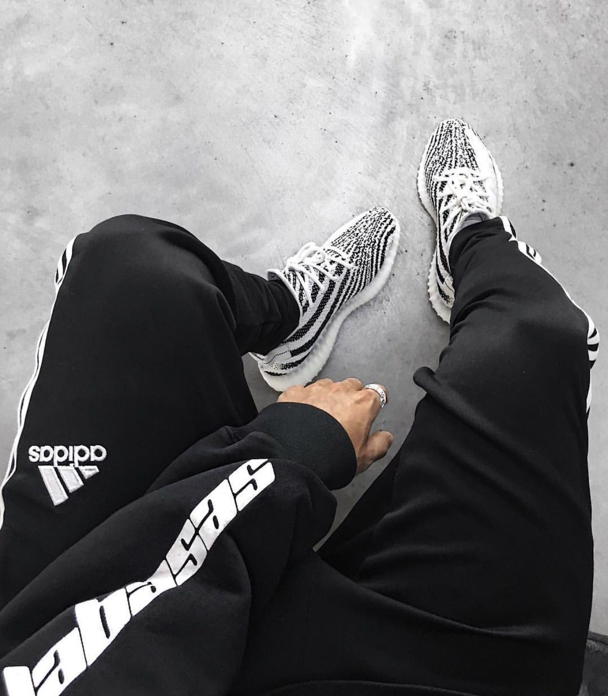 huge discount 211c0 917ab Adidas Yeezy Boost 350 V2 Zebra with long sweatpants Calabasas sweater.