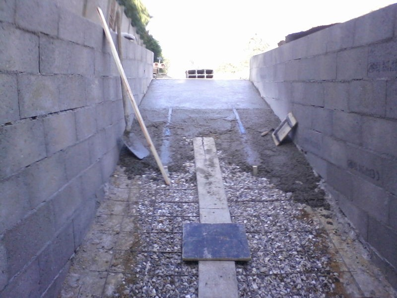 Comment Faire Une Descente De Garage En Beton Dalle B Ton La 24 Mars Notre Projet Garage Terrasse Beton Comment Faire
