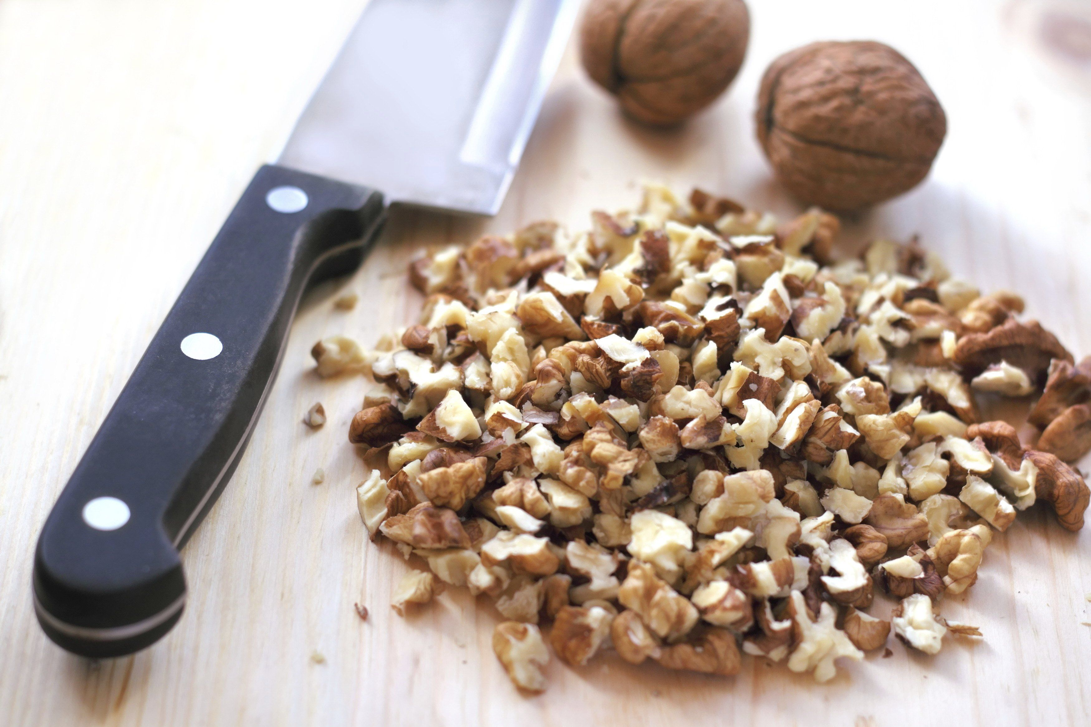 Nutrition Information for 1/4 Cup of Walnuts | Livestrong.com