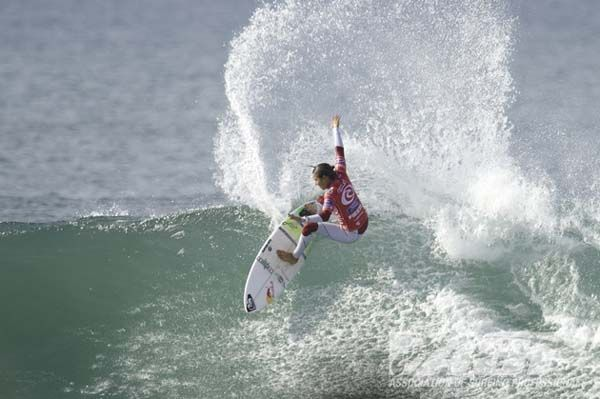 Top seeds control Rip Curl Pro Bells Beach Day One