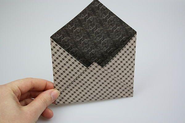 wie man ganz einfach einen briefumschlag basteln kann erf hrst du in dieser bastelanleitung. Black Bedroom Furniture Sets. Home Design Ideas