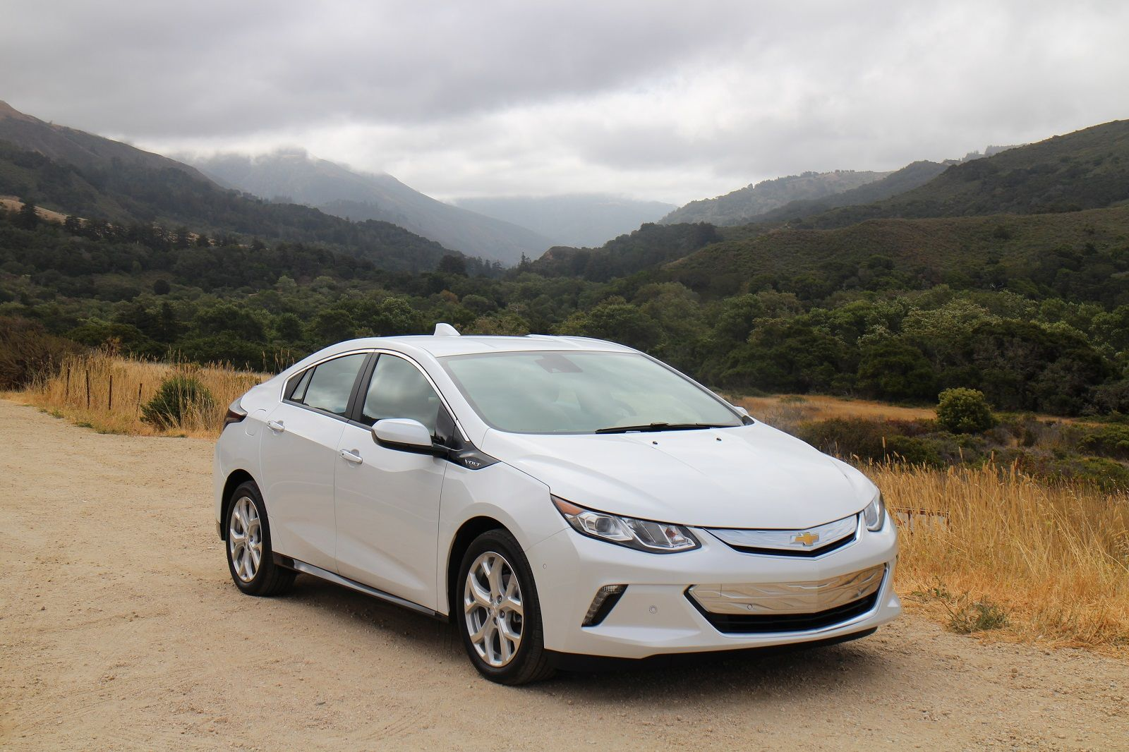Chevrolet Volt Green Car Reports Best Car To Buy 2016 Chevrolet Volt Chevy Volt Chevrolet