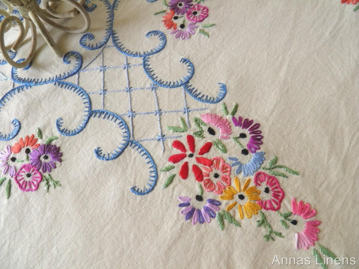Simple hand embroidery designs for tablecloth - Vintage Round Tablecloth Topper Hand Embroidered Flowers Scrolls Ebay