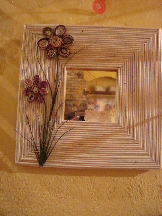 cornice con cannucce di carta Molduras artesanais, Porta