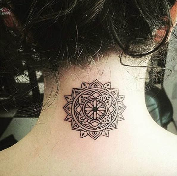 40 Beautiful Back Neck Tattoos For Women Tattooblend