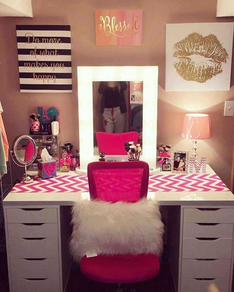 7c8f0bbebc4b Using wallpaper, material or runner on vanity for splash of color ...